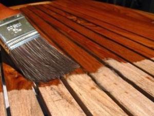 Refomas de interiores: Pasos a seguir para teñir la madera